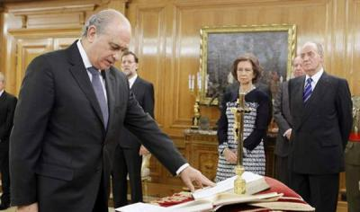 20111223134518-espana-gobierno-rajoy-jorge-fernandez-diaz-toma-posesion-como-ministro-de-hacienda-599x0.jpg